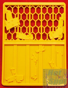 2012 Sewer Layer Yellow Fence Playset Part